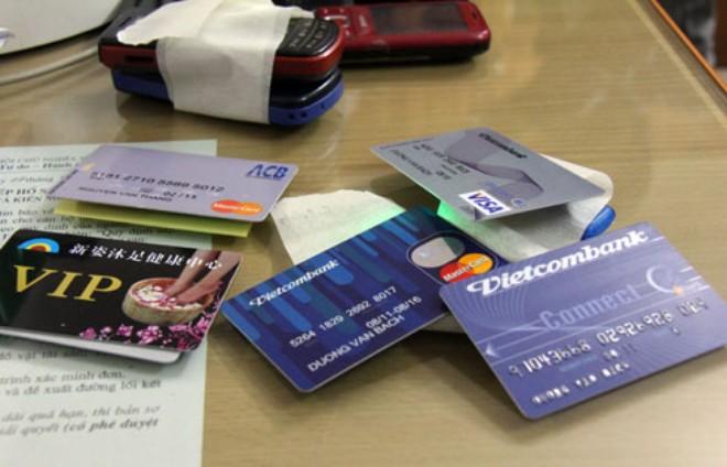 rút tiền từ thẻ tín dụng - 1